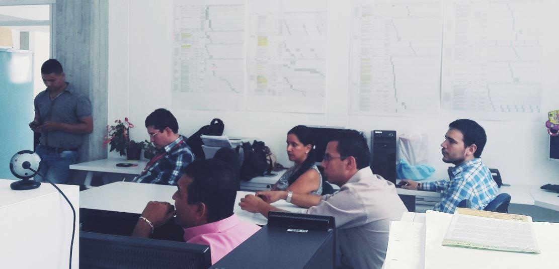 Visita de funcionarios de la Universidad Autónoma de Occidente